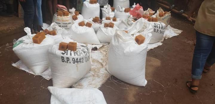 riz et savon pour les PDI